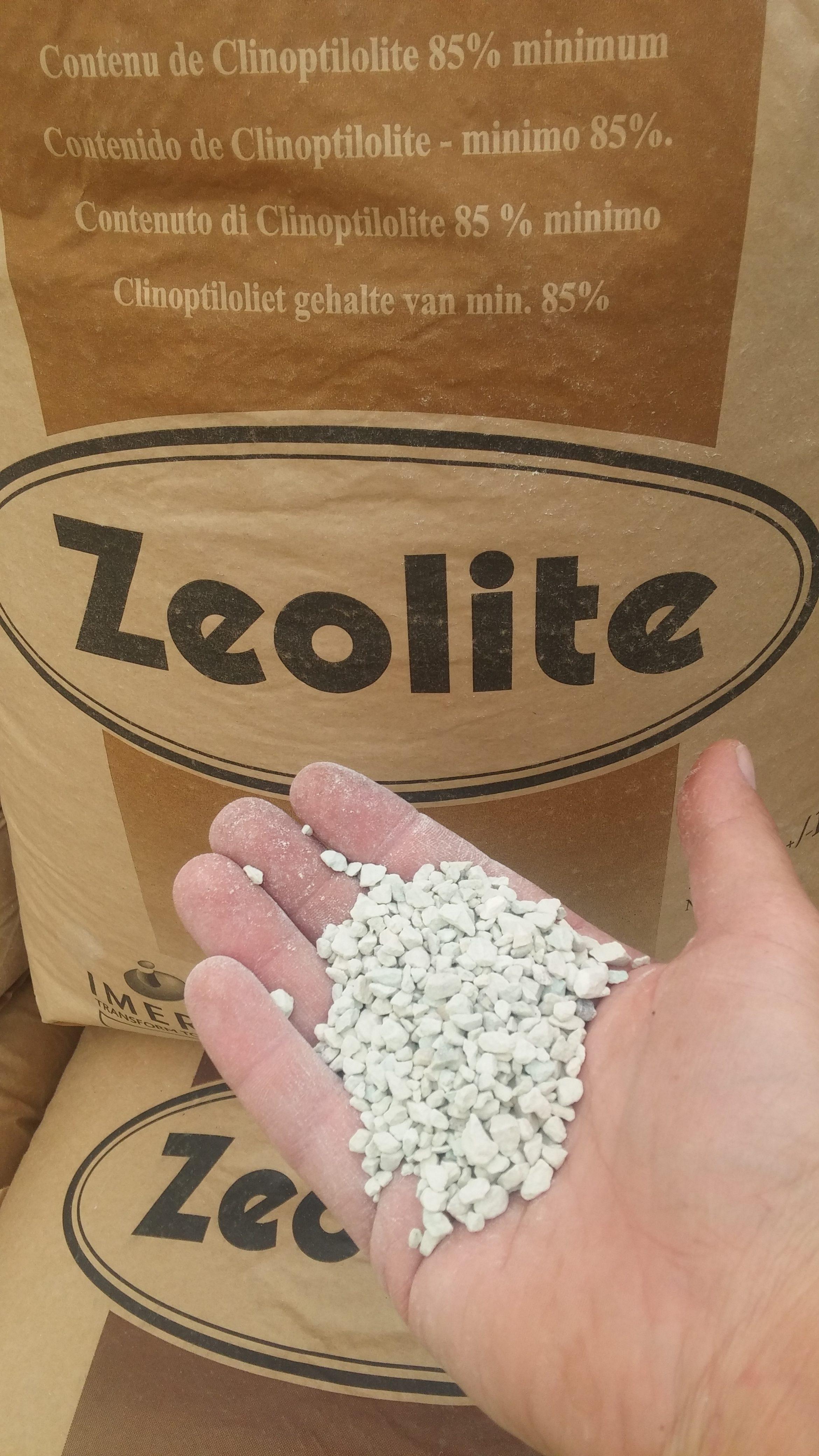 Ο ζεόλιθος ως 100% φυσικό προϊόν μπορεί να χρησιμοποιηθεί και στη βιολογική γεωργία. Οι ευεργετικές του επιδράσεις είναι μόνιμες, αφού δεν αποδομείτα